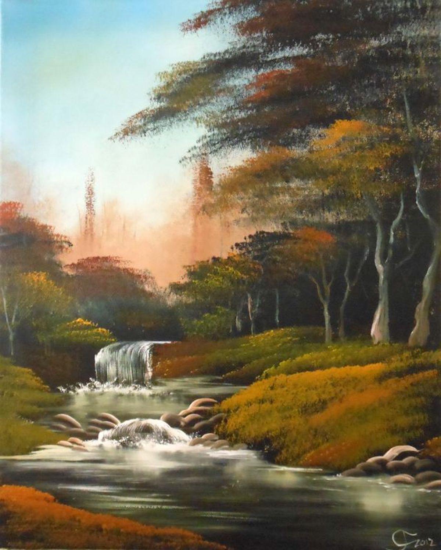 Herbstwald mit Fluss